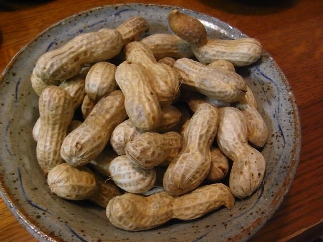 茹でたピーナッツ(落花生)